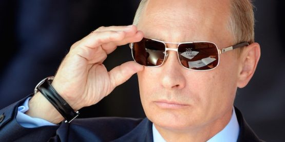 Wladimir Putin ziert Apple iPhone 6s