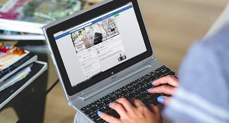 Soziale Medien Facebook