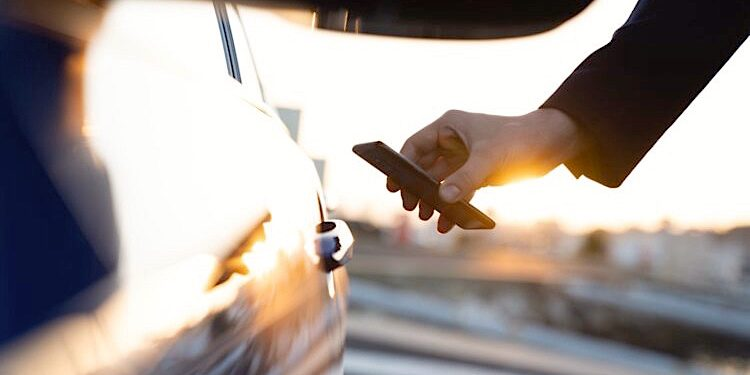 BMW Apple iPhone