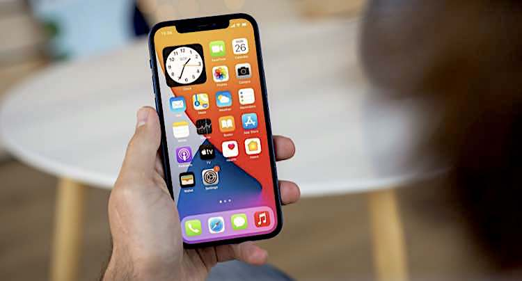 Apple iPhone iOS 14: Punkt in Rot Orange Grün oben im Display