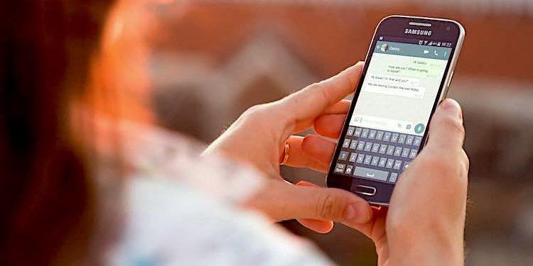 Whatsapp Warte Auf Diese Nachricht Das Kann Einen Moment Dauern Virus