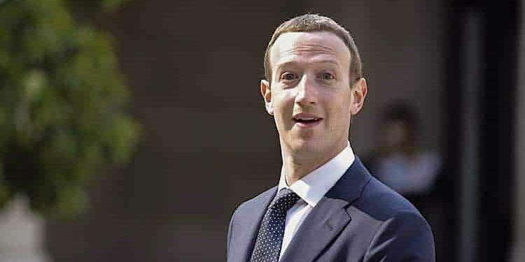 Apple: Facebook zieht aus Angst um die Zukunft in den Krieg