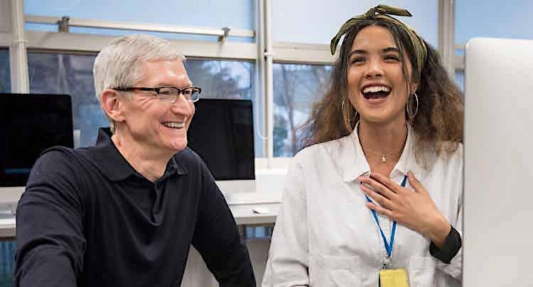 Apple: Tim Cook motiviert Mitarbeiter zum 45. Firmenjubiläum