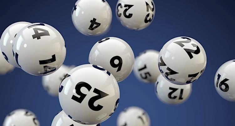 Ratgeber: Kiosk versus online: Wo spielt man am besten Lotto?